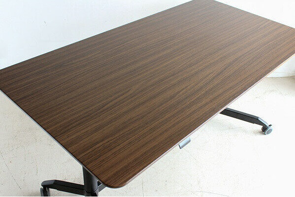 tohmaのMOD スタンディングテーブル 天板カラーのアップ